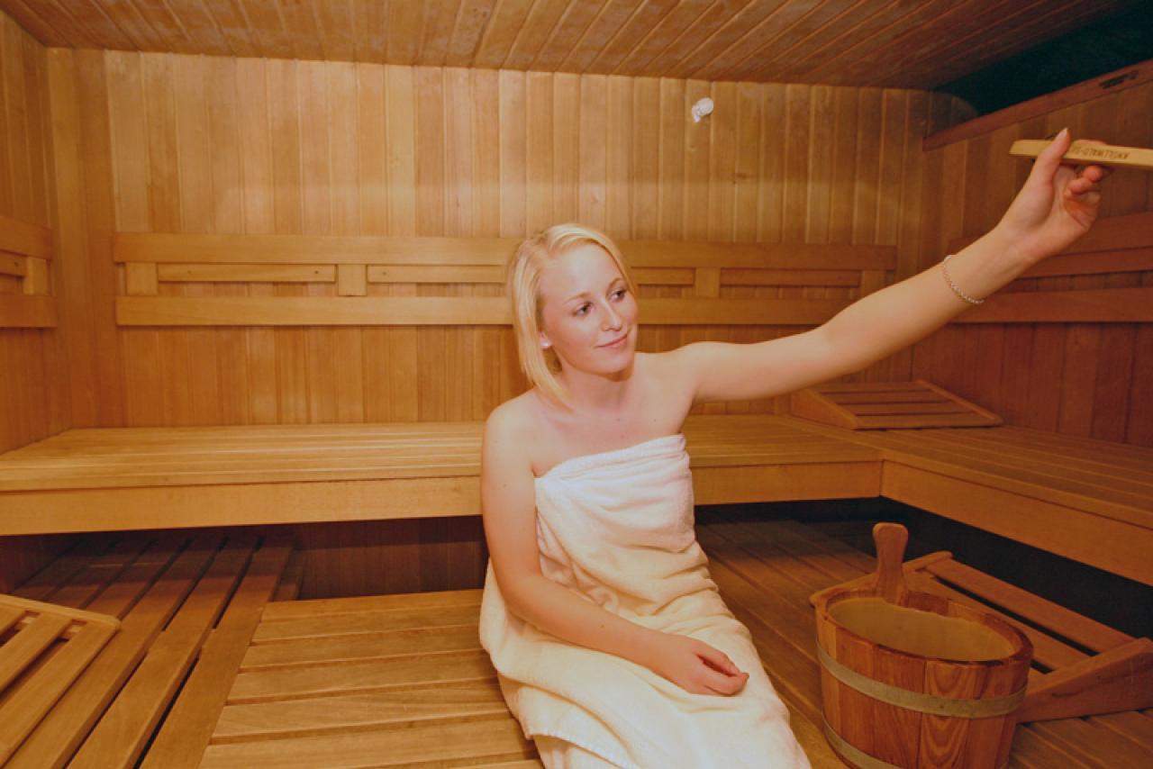 hotelbar sauna fr hst ck stilvoll bernachten in mainz hotel hammer. Black Bedroom Furniture Sets. Home Design Ideas